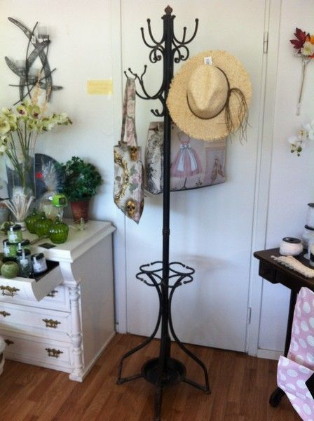 Rustik handgjord klädhängare/paraplyställ i metall. Den perfekta hallmöbeln.#möbler #klädställning #paraplyställ #hallmöbler #inredning #rustika möbler #metallmöbler.