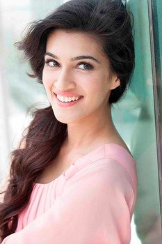 Kriti Sanon will soon don a Bikini for her film 'Raabta' : MagnaMags