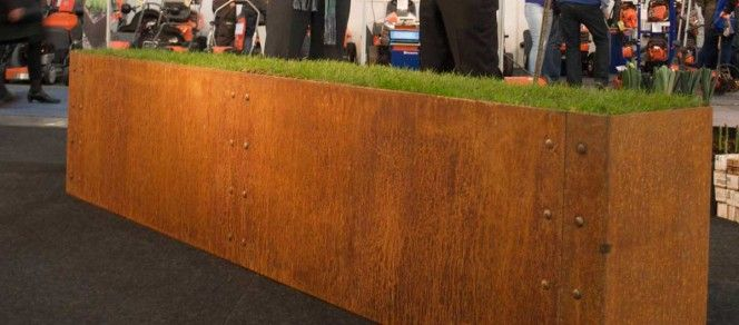 Our show planter at the Oslo Garden Show was manufactured from the popular Cor-Ten steel. Cor-Ten steel eliminates the need for painting and produces a rust effect layer. Despite appearences Cor-Ten makes the the steel less susceptible to corrosion.