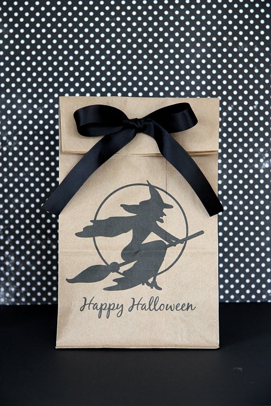 Cute free printable Halloween gift tags and bags!
