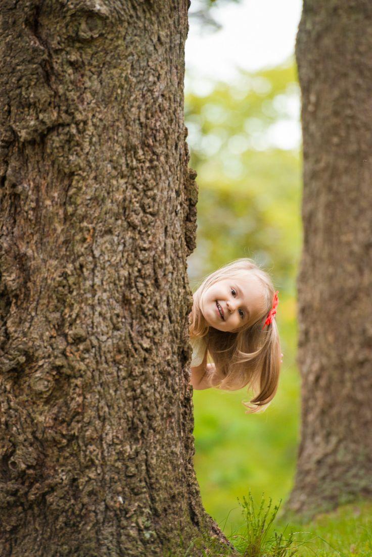 R&A Photography | Child photo idea at High Park, Toronto