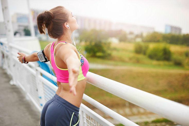 Um treino funcional, proposto por Edgar Mota, personal trainer e wellness manager trainee, que permite trabalhar grandes grupos musculares e também o core, composto por músculos abdominais, glúteos e extensores da coluna