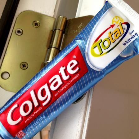 17 Surprising Second Uses for Toothpaste