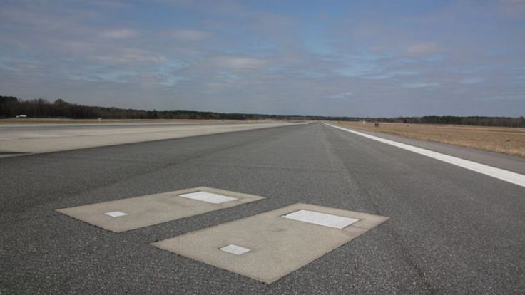 SAVANNAH/HILTON HEAD INTERNATIONAL AIRPORT Not dangerous as much aas it is creepy. Embedded in Runway 10's tarmac is a pair of grave markers belonging to the previous owners of the land upon which the airport now sits.