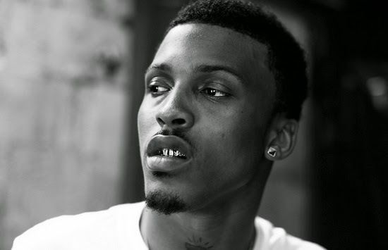 """Chatter Busy: August Alsina Remains Hospitalized For """"Multiple Seizures"""" After Collapsing Onstage During Concert"""
