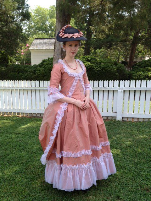 I've updated The Mended Soul so that you can see all the projects I've started working on during my summer internship at Colonial Williamsburg! A note about this gown: I am so fortunate to be able to wear this amazingly beautiful gown made by the amazingly talented seamstresses from the Margaret Hunter Millinery Shop at CW.