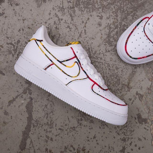 hot sale online e24c2 6a6d4 Nike Wmns Air Force 1 LO Tartan - AV8218-100 •• En vit AF1