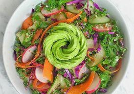 A saladinha de todo dia já perdeu a graça e a sua dieta está correndo risco? Abra mão dos molhos que incrementam o prato