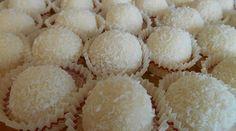 Vous connaissez les Raffaello ? Oui, vous savez, cette gourmandise aux amandes, chocolat et noix de coco... délicieux ! Vous aimeriez les faire vous-même ? Eh bien ça tombe bien, puisque nous conna