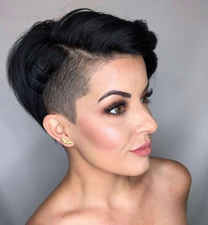 35 + Die eleganteste Art, Pixie-Haarschnitte zu tragen – Pixie-Haarschnitte sind ein ganz besonderer Stil und eine Kombination verschiedener Haarlängen. Einige sind nur zwei …