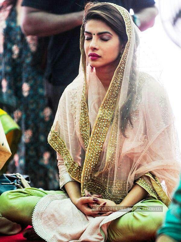 Priyanka Chopra Suit - love the colours