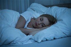 Dormir con lentes de contacto puede provocar desde sequedad hasta cuadros más graves - Noticias - Consejo General de Colegios de Ópticos-Optometristas