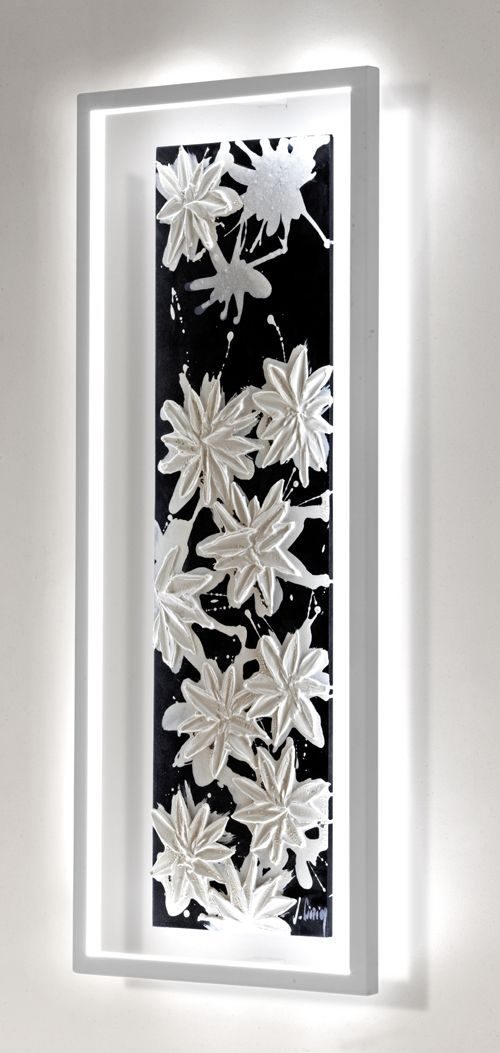 The Hawaii : a sculpted and hand painted floral outburst lighting