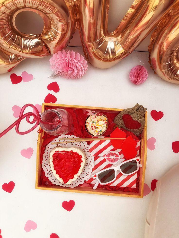 Best 25 Gift Hampers Ideas On Pinterest Christmas Dyi