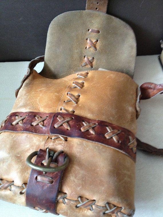 Vtg Distressed // Artisan Handcrafted Leather por JansVintageStuff