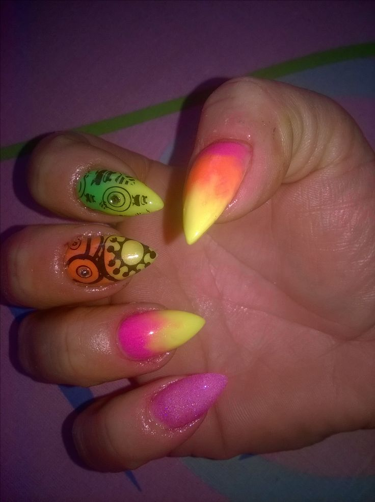 neon acrylic maila
