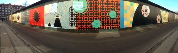 Arte sulla recinzione dei lavori della metropolitana