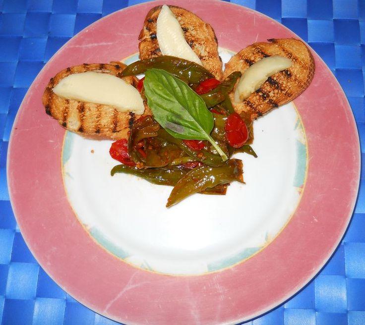 Peperoncini verdi fritti al pomodoro