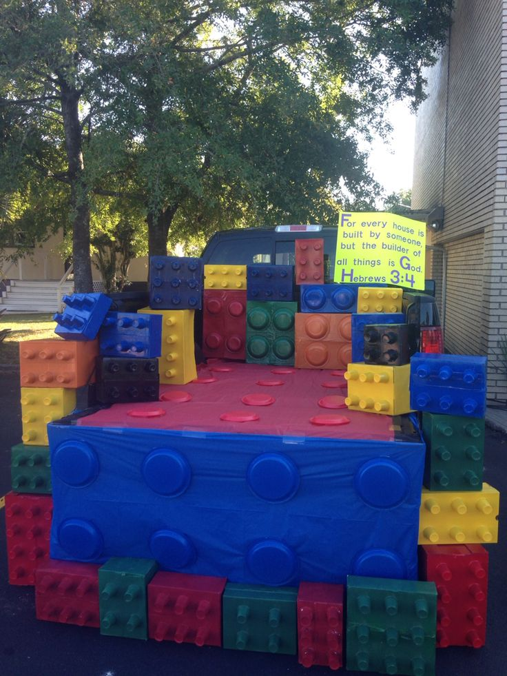 Lego trunk or treat idea! Kids loved the large blocks.