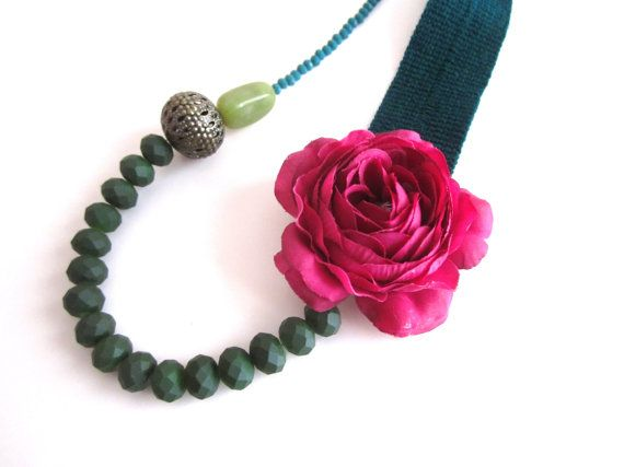 Flower Necklace Green Statement Necklace by catyflowerpower