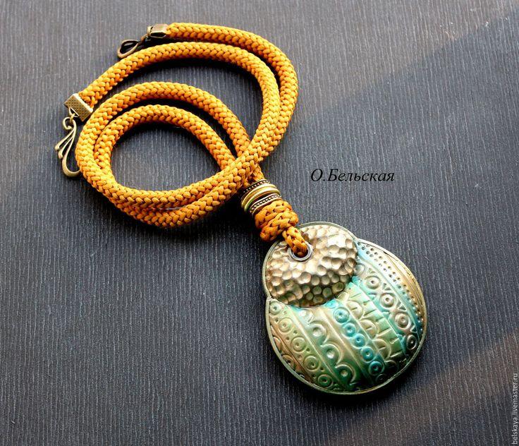 Купить КУЛОН - оливковый, крупное украшение, крупный кулон, круглый кулон, красивое украшение