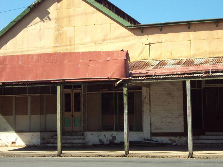 Fox's Shop, Haydon St, Murrurundi, Oct 19 2013
