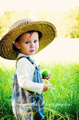 Country Living ~ Wee apple picker