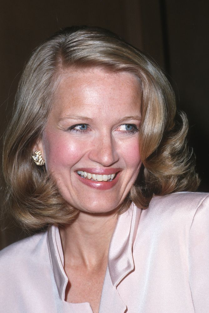 Diane Sawyer Style Evolution: The Original Broadcast Babe (PHOTOS)