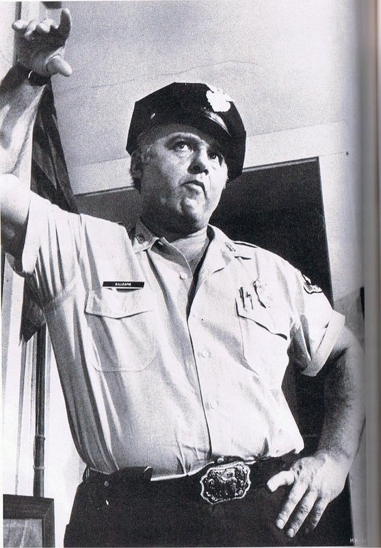 bill gillespie in the heat of the night Episode guide for the tv series - in the heat of the night (main characters)   chief bill gillespie (carroll o'connor) had a child that died before he could be a .