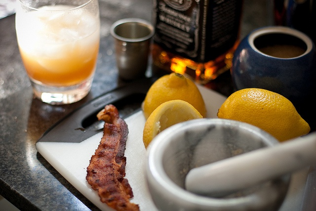 homemade bacon whiskey sour - proving it can be both 5 o'clock & breakfast time anywhere: Whiskey Sour, Bacon Jack, Diy'S Bacon, Leftover Bacon, Breakfast Drinks, Eating Drinks, Bacon Whiskey, Maple Bacon, Food Drinks