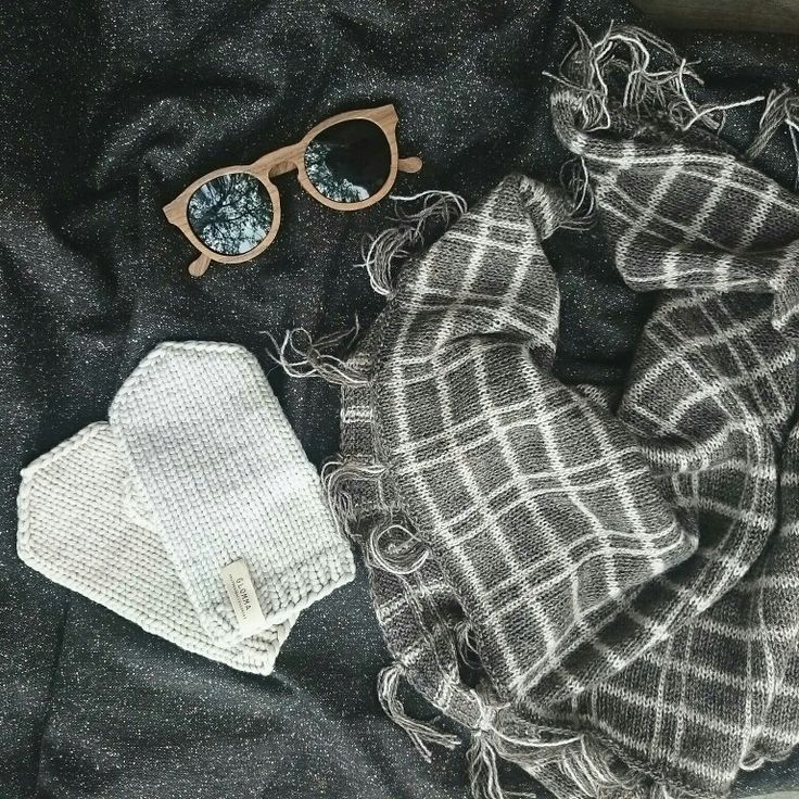Knitted plaid shawl and mittens