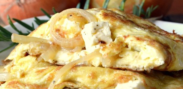Caramelized onion and Feta omelette
