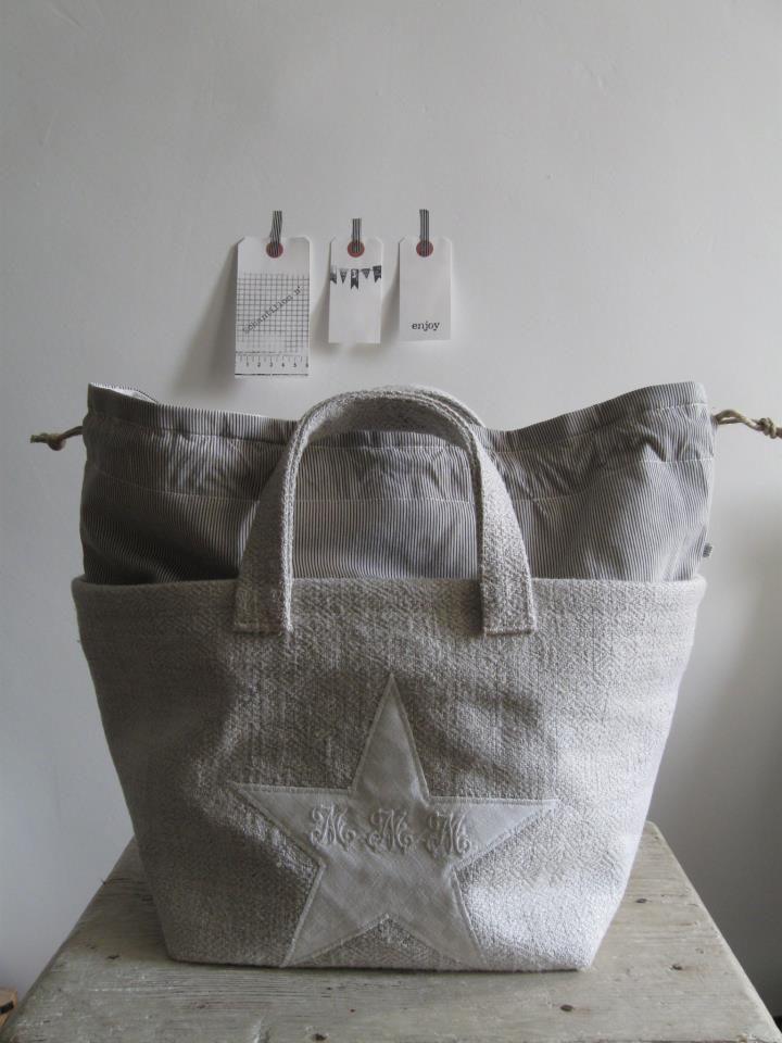 © Si un mas m'était conté. drawstring insert & fabric star sewn on front. All fabric