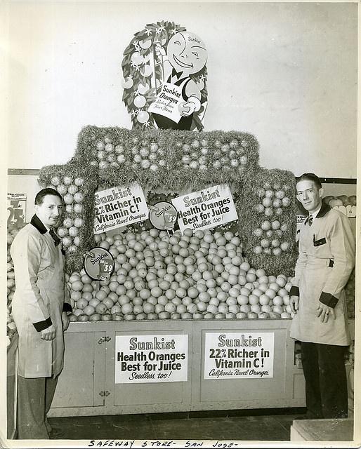 A Sunkist display at a San Jose Safeway store, 1940s. #vintage #supermarket #shopping