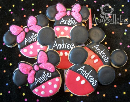 Galletas de Minnie Mouse o Mickey Mouse por Amigalletas en Etsy, $36.00