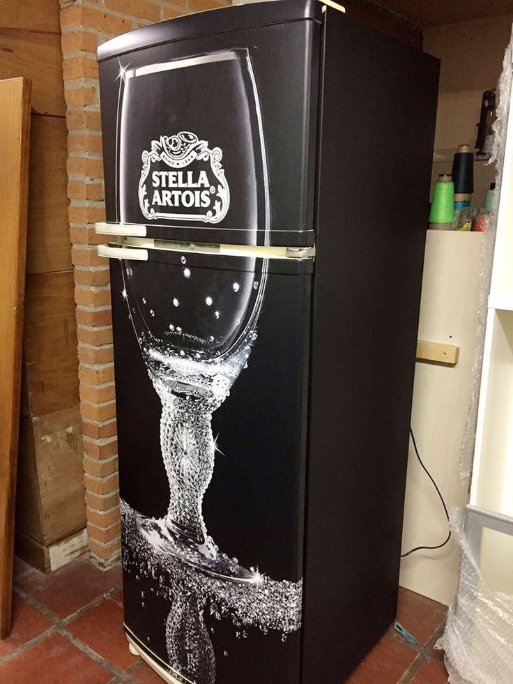 Envelopamento de geladeira com imagem Stela Arois - LLX Visual (11) 2626-3859