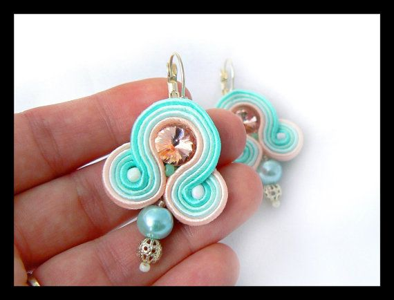 Soutache earrings Swarovski crystals pink blue by Mayasbijou €12.15 EUR on Etsy.com
