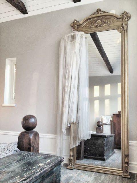 Pingl par la citerne vintage store brocante friperie sur inspiration mirrors miroirs for Immense miroir
