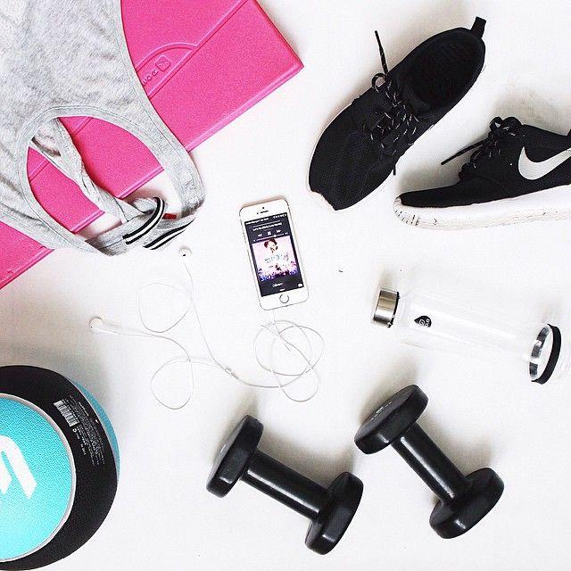 Get active with EQUA water bottles and stay in style during your workout! #reusablebottle#glassbottle#ecologicalbottle#designbottle#equabottle#myequa#dropbottle