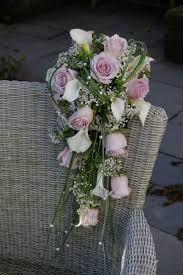 Afbeeldingsresultaat voor waterval bruidsboeket