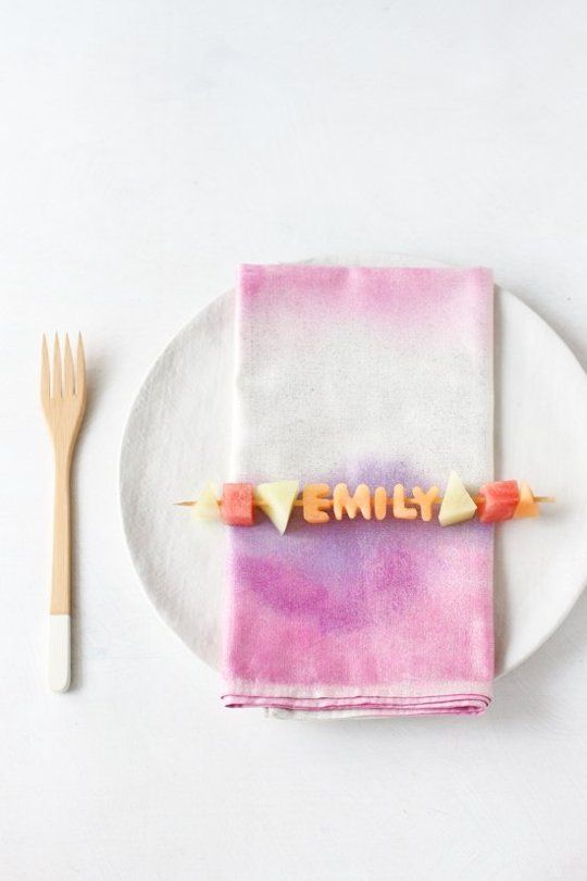 Cute Dinner Party Ideas Part - 49: Up Your Dinner Party Game With These Edible Fruit Kabob Place Cards!