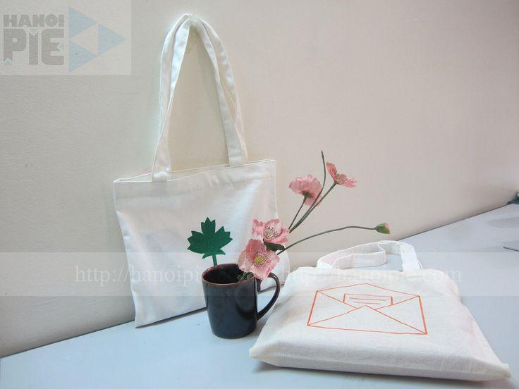 Handle cotton canvas tote bag wholesale in Vietnam | Website: www.hanoipie.com | Alibaba: http://vn1014973851.trustpass.alibaba.com/ | Email: info@hanoipie.com | New #CottonBag in #Vietnam from #Hanoipie Co. Ltd.