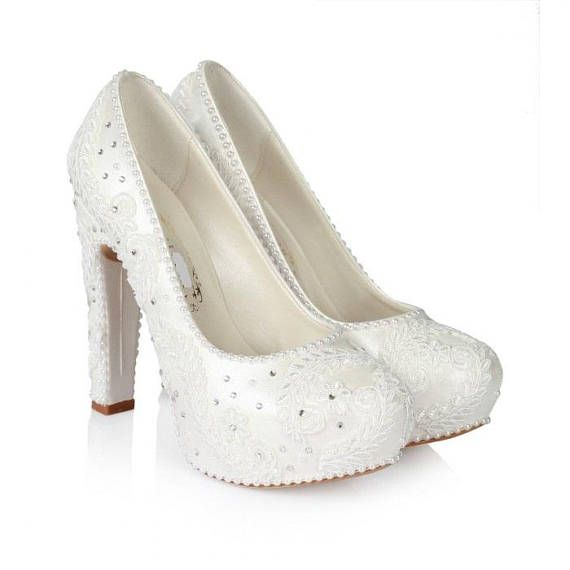 7106702007a0 Nice to see you in my shop  ) Perfect Powder Lace Sweeping Bridal Shoes.