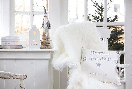 Home & Interior Decoration Brand Riverdale Christmas 2012 - Christmas Decoration as Pillows & Santa's in Christmas Theme 'Golden Glimpse'!