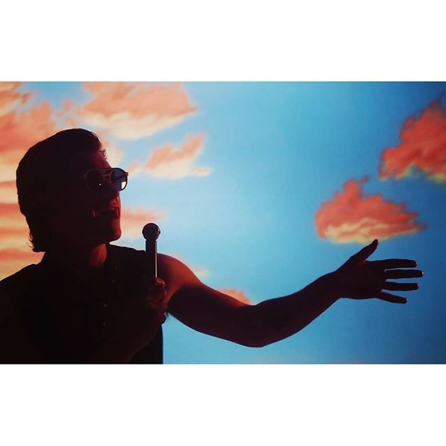 rumbero_insipido/2016/10/26 14:36:15/😎🎙🔥 You were the promise at dawn I was the morning after  #song #isthiswhatyouwanted #thelastshadowpuppets #favorite #loved #sing #alexturner #music #rock #video #sunset #sky #color #red #lightandshadow #contrast #like4like #photo #chilegram #cl