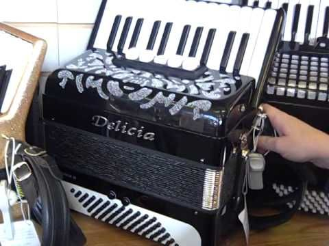 Piano Accordion FAQ | Hobgoblin Music