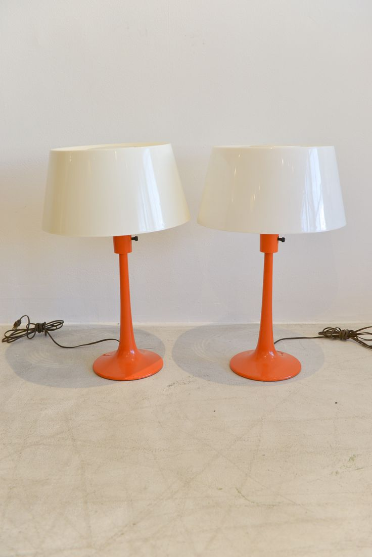 """Pair of Orange Table Lamps Gerald Thurston for Lightolier Original Shades Measures 21"""" High and 16"""" Shade Diameter"""