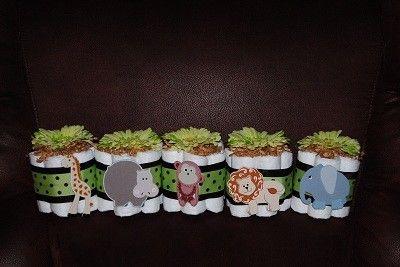 Mini Jungle Theme Diaper CakesGift Ideas, Jungles Theme, Diapers Cake, Cake Gift, Beer Bottle, Cake Minis, Minis Jungles, Minis Diapers, Baby Shower
