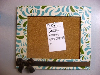 Cork Board | Make It and Love It  (Tutorial for covering frame with fabric)