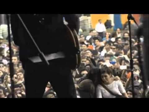 León Larregui - Como Tú (Corona capital 13-10-12) - YouTube